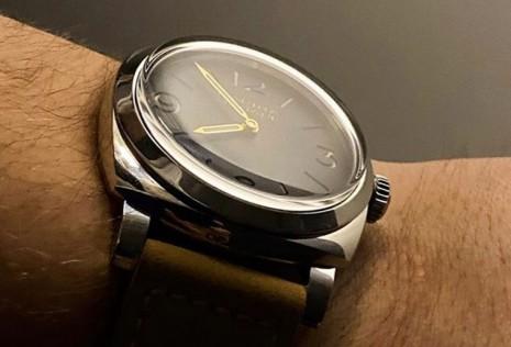 錶殼或鏡面的刮痕通常都怎麼產生的?