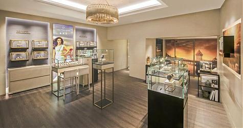 寸「金」光陰定格上海 寶齊萊新店開幕