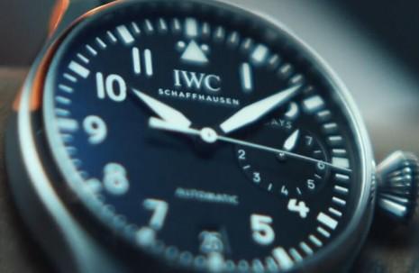 一天明明有24小時,為什麼手錶普遍只顯示12小時?