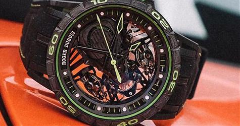 賽道上的耀眼新星 羅杰杜彼Excalibur Aventador S綠色腕錶