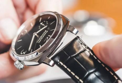 沛納海Luminor或Radiomir手錶該怎麼換錶帶