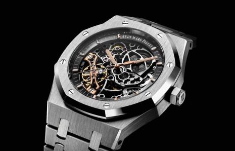 在CODE 1159和皇家橡樹前 AP早就創作出許多特殊造型錶殼