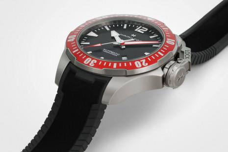 漢米爾頓Khaki Navy蛙人潛水錶上看千米防水規格竟然5萬元有找