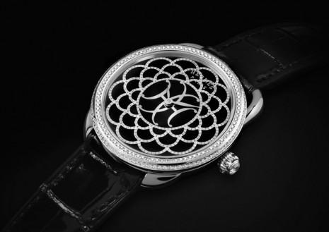 愛馬仕融合珍珠母貝和珠寶細工鑲嵌打造全新Arceau H Déco珠寶錶