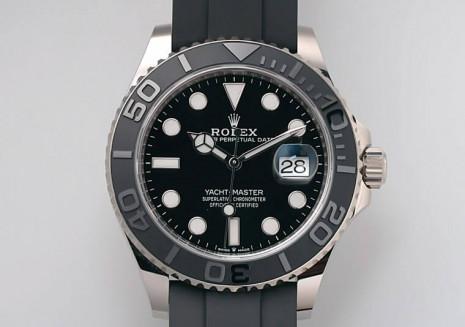 遊艇226659改成白金並擴大錶徑展現低調奢華的風格