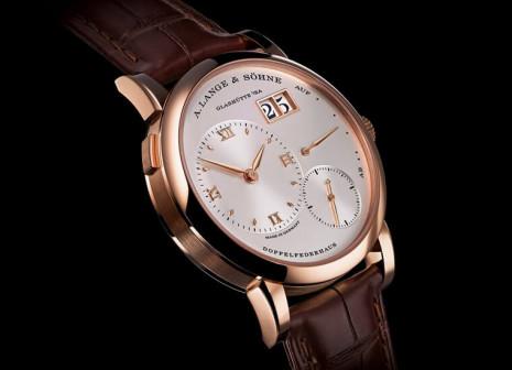朗格經典LANGE 1大日期加黃金分割面盤佈局 盡顯德國製錶工藝精髓