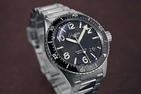 格拉蘇蒂原創以古董潛水錶為靈感 嶄新推出SeaQ大日期錶等新系列德製水鬼