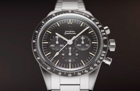 超霸登月錶搭載321復刻機芯有了不鏽鋼版本 價格比鉑金款親切許多