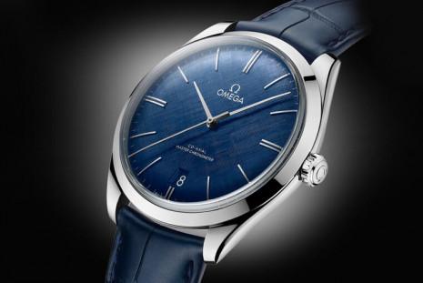 歐米茄碟飛Trésor是品牌極少數的手上鍊大師天文台手錶 其中鋼殼藍面長得很有味道