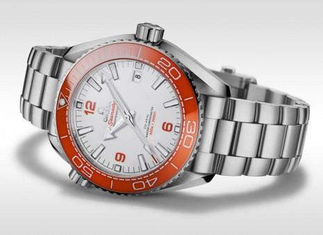歐米茄海馬Planet Ocean潛水錶招牌橘色錶圈換上陶瓷材質 視覺效果更搶眼