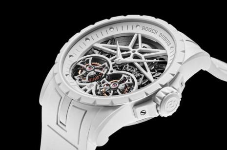 羅杰杜彼Excalibur Twofold純白錶殼並非陶瓷 而是一種新開發的礦物複合纖維