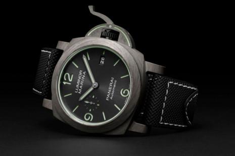 沛納海1119 Luminor Marina Fibratech錶殼特殊紋路是玄武岩纖維材質