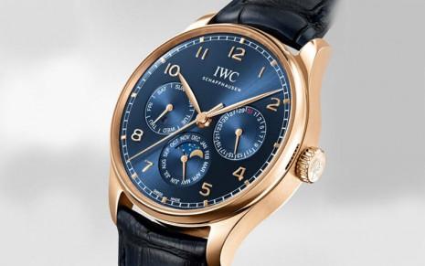 IWC葡萄牙系列萬年曆專賣店特別版搭載82650機芯讓手錶更輕巧