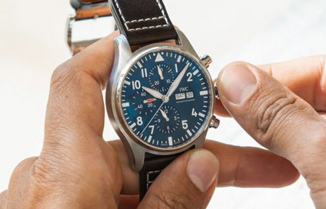 佩戴機械錶該如何正確幫手錶上鍊