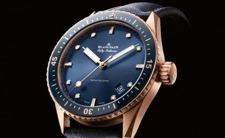寶珀五十噚Bathyscaphe新款藍面錶首度採用Sedna金錶殼