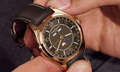 Fiftysix全日曆月相蘊含傳統設計奧妙 江詩丹頓2020年新增咖啡色面盤搭玫瑰金錶殼