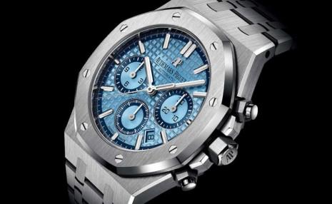愛彼皇家橡樹計時碼錶新增白金淺藍色面盤限量款式