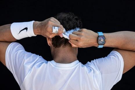 西班牙蠻牛Nadal的鏤空錶有個特色讓人驚呼:也太搭了吧!