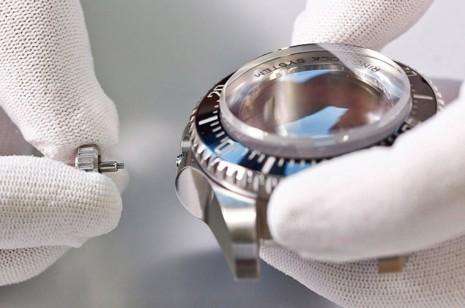 勞力士開發手錶原型通常需要數年時間 但有一款錶竟不到1個月就做出了!?