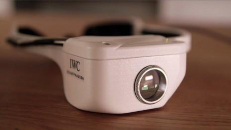 IWC研發嶄新放大鏡科技讓人親身體驗製錶師視角