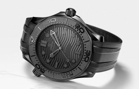 歐米茄打造海馬潛水300米黑色全陶瓷殼新款