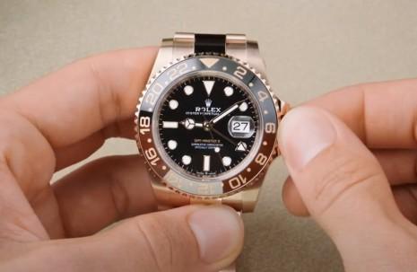 一次看懂勞力士經典兩地時間手錶GMT-Master II如何調校運作