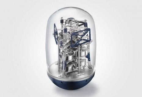雅典錶UFO座鐘能同步顯示三地時間且動力長達一年!