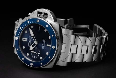 沛納海Submersible潛水錶第一次啟用精鋼鍊帶設計