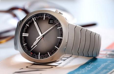 亨利慕時新款疾速者運動錶簡約造型竟蘊含萬年曆等級複雜功能