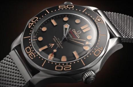 除了海馬300米潛水錶 《007:生死交戰》還有現身這些歐米茄手錶